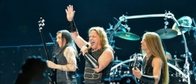 """MANOWAR: TIME FOR A BREAK/""""WE NEVER ANNOUNCED THE END OF THE BAND!"""""""
